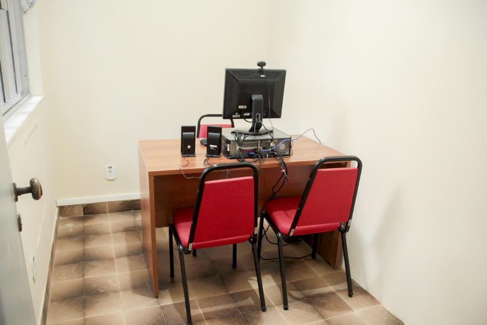 Escritórios compartilhados já contam com o aparato tecnológico necessário para a realização de audiências virtuais / Foto: Bruno Marins