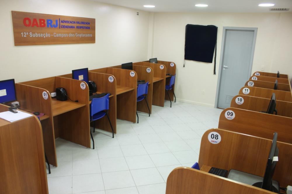 Nova organização das baias permitiu que Central de Peticionamento voltasse a operar com dez máquinas / Foto: Bruno Mirandella
