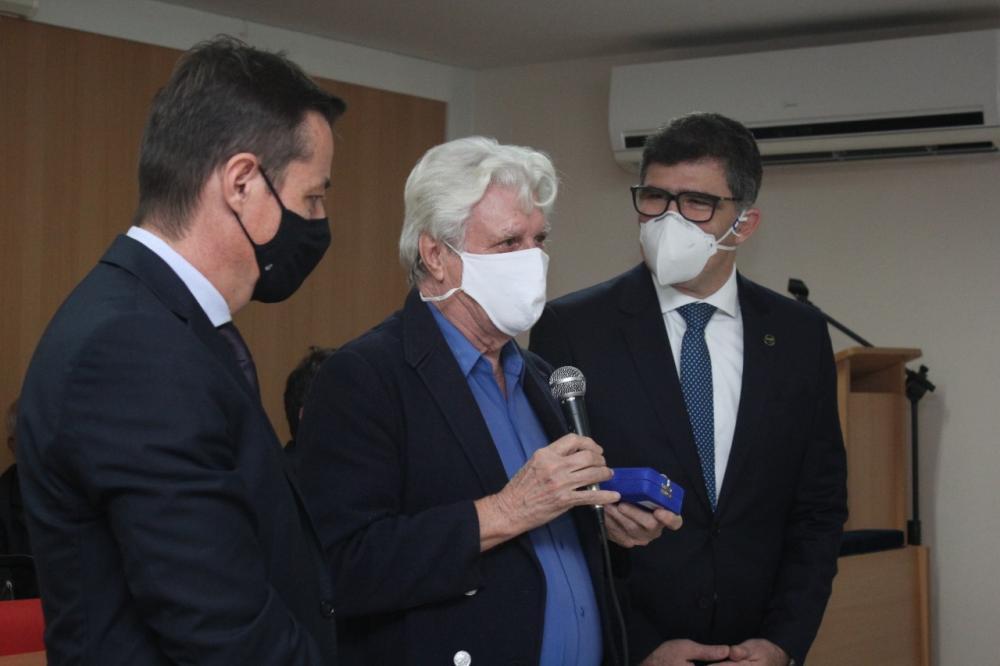 Eles receberam da diretoria da OABRJ e da OAB/Campos a Medalha Sobral Pinto / Foto: Bruno Mirandella