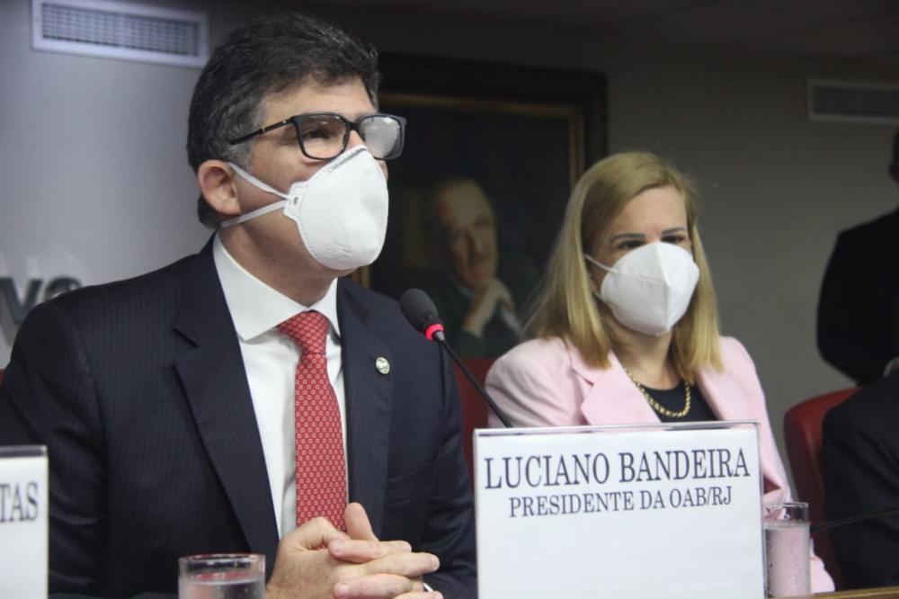 Luciano Bandeira e Ana Tereza Basílio / Foto: Bruno Mirandella