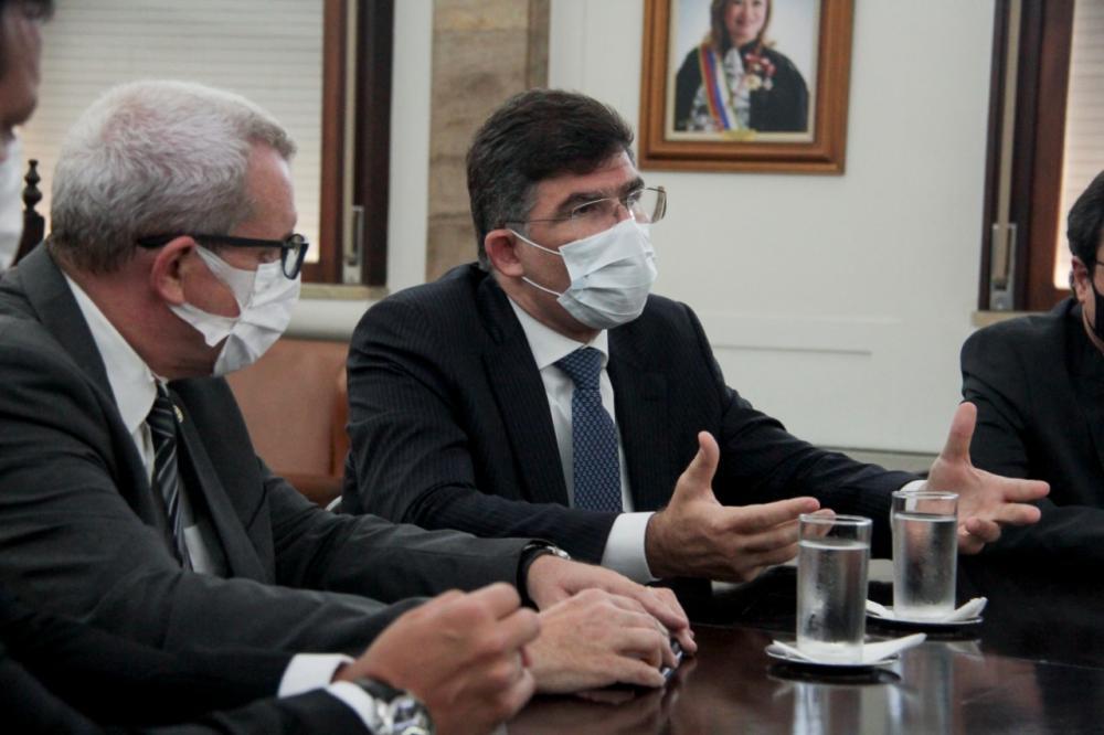 Ricardo Menezes, presidente da Caarj, e Luciano Bandeira, presidente da OABRJ / Foto: Bruno Marins