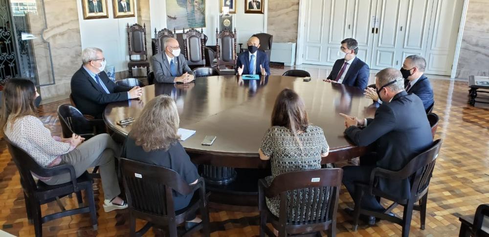 Comitiva da OABRJ, liderada pelo presidente Luciano Bandeira, reuniu-se esta terça-feira com a Presidência da corte / Foto: Eduardo Sarmento